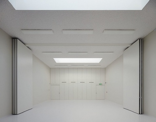 Design You Trust – Design and Beyond! #youth #white #centre #architecture #amsterdam #minimalist
