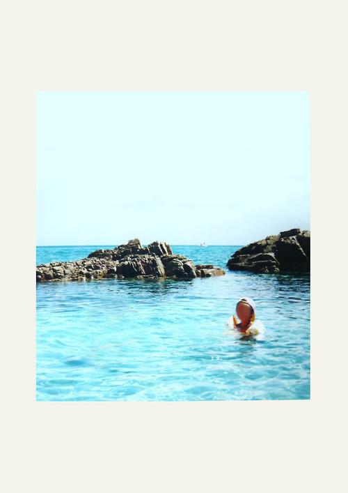 http://robertoortu.tumblr.com/ #childhood #child #lost #sea