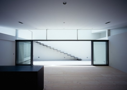 MUR House / Apollo Architects & Associates (15) #white #interiors #sheds #architecture #houses