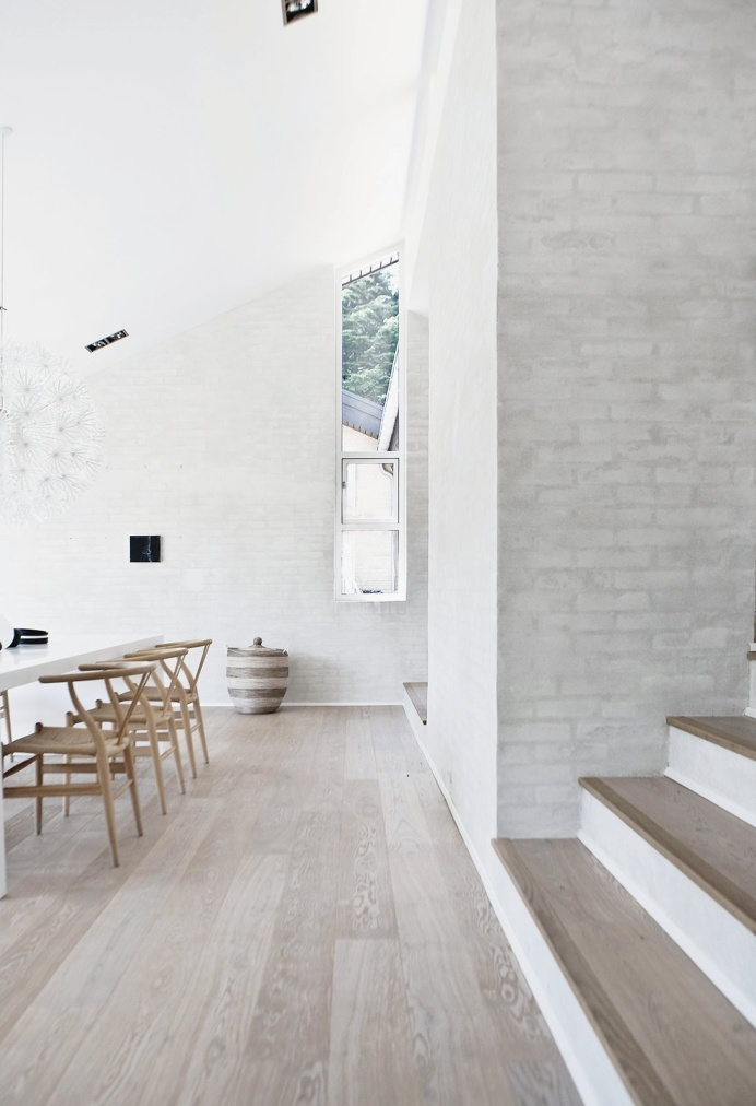 Dining room. Fredensborg House by Norm.Architects. #diningroom #normarchitects #minimalism