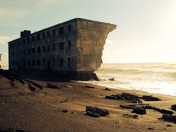 nature-reclaiming-abandoned-places-30 #abandoned #photography