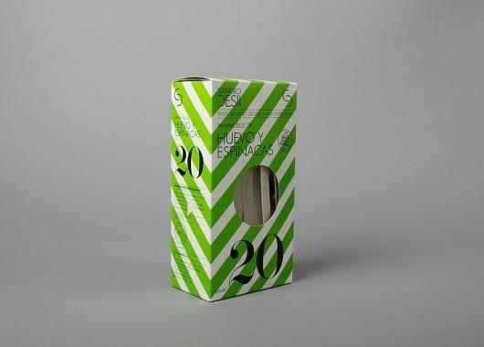 Sandro Desii graphic design by Lo Siento Studio, Barcelona #losiento #packaging #pasta #stripes #slants #typography