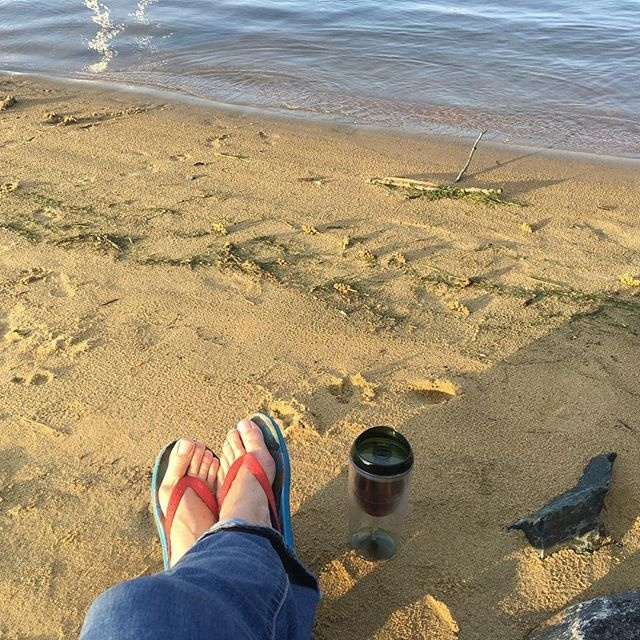 Happy Feet @the sandspit in Hillsmere