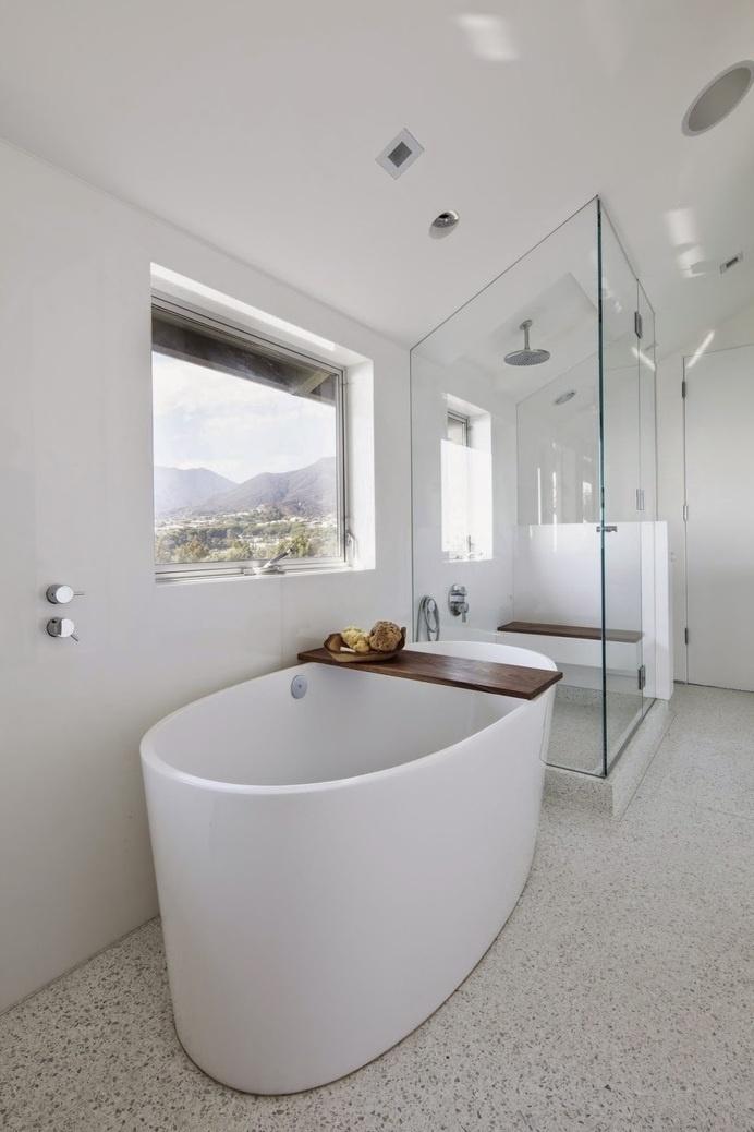 Montee Karp Residence by Patrick Tighe Architecture #ideas #interiors #bathroom