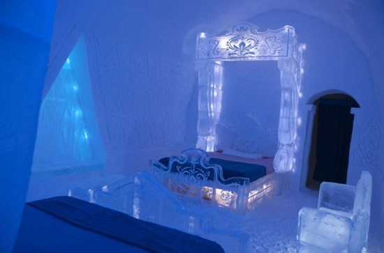 Would you ever consider staying in an ice room? #HotelDeGlace #Frozen #Quebec #travel