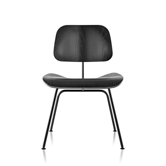 Eames Molded Plywood Dining Chair Metal Base by Charles & Ray Eames for Herman Miller. #sidechair #diningchair #eames #charlesandrayeames