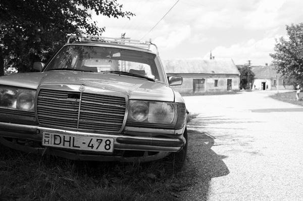 Scrap #ostrihom #old #white #scrap #and #town #black #strigonium #mercedes #street #car #esztergom