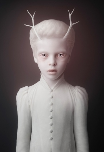 oleg dou: cubs #alien #photography #porcelain