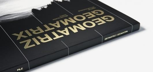 ps.2 arquitetura + design - FILE 8a edição - Catálogo #print #editorial #gold #foil