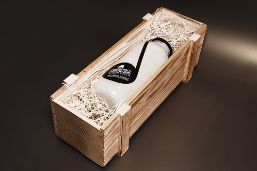 www.svengabriel.com #packaging #wood #milk #bottle