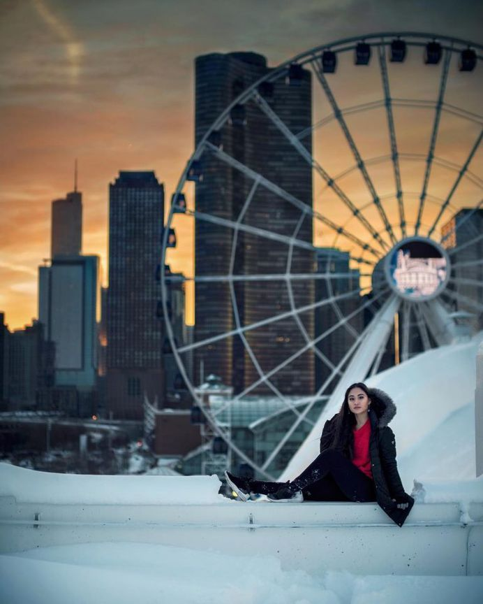 Rooftop Views of Chicago: Fabulous Portrait Photography by Mike Kremel