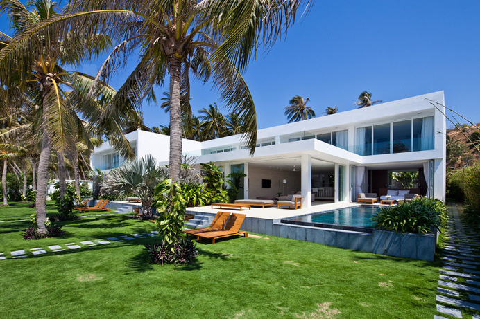 Holiday Inspiring Palm-Tree Hideout in Vietnam: Oceanique Villas #architecture #villa #holiday