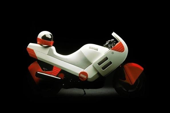 twowheels+ #yamaha #motorbike #retro #futuristic