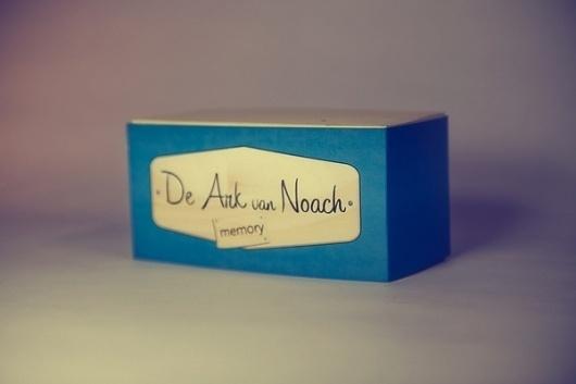 Noah's Ark memory game on the Behance Network #memory #packaging #design #wood #vinyl #play #game #fun #children