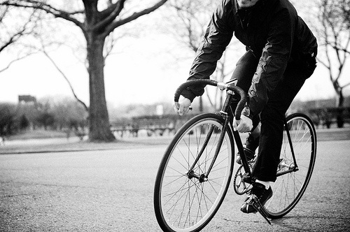 Blue in B&W | Flickr - Photo Sharing! #bikes #fixed #riding #gear #track #bike