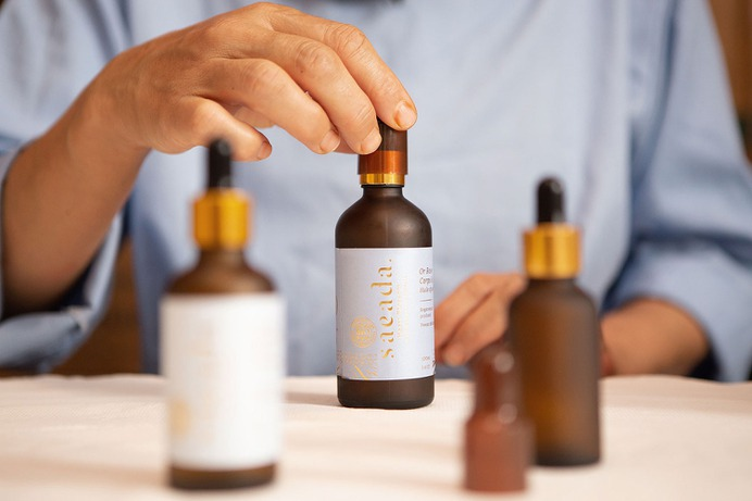 Saeada Care Branding - Mindsparkle Mag Alex Arzuman Studio & Florian Pommier designed the branding for Saeada – a cosmetic brand that provides biologic oils (argan, figue, roses, …) for the entire body (face and body). #logo #packaging #identity #branding #design #color #photography #graphic #design #gallery #blog #project #mindsparkle #mag #beautiful #portfolio #designer