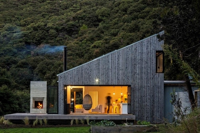 Modern Family Retreat House Inspired by New Zealand's Backcountry Huts