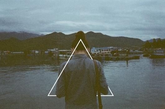 6653615237_2a9552f644_b.jpg 1,024×679 pixels #woman #portrait #triangle #photography #film #mountains