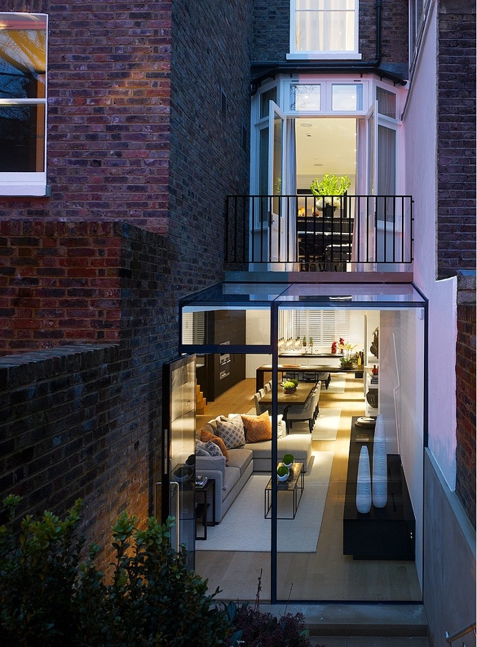 Kensington Town House – Complete Rebuild by Rodic Davidson Architects