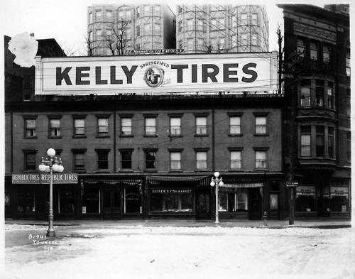 moleskine #white #black #advertising #photography #vintage #and #window #tires