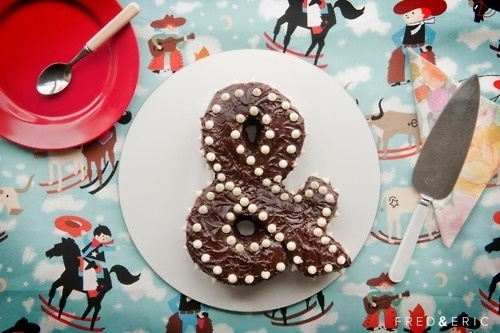 http://fredanderic.tumblr.com/ #ampersand #type #frederic #cake