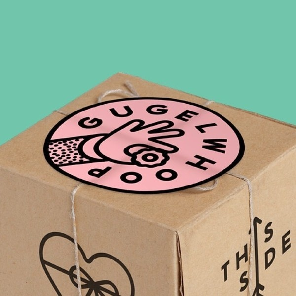 Logo and packaging made for a shop selling mini bundt cakes (Gugelhopf) #gugelwhoop